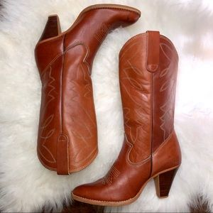 Vintage Leather heeled cognac cowgirl/cowboy boots